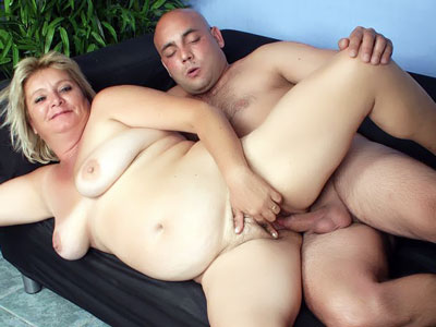 Fat Chubby Blondie Live